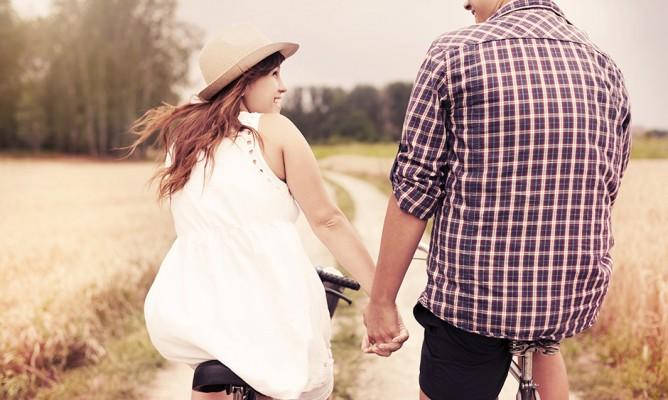 Ζώδια και Σχέσεις: Τι να φορέσω στο πρώτο ραντεβού;