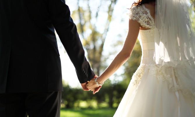 Γάμος και Αστρα: Ποια ζώδια παντρεύονται από έρωτα;