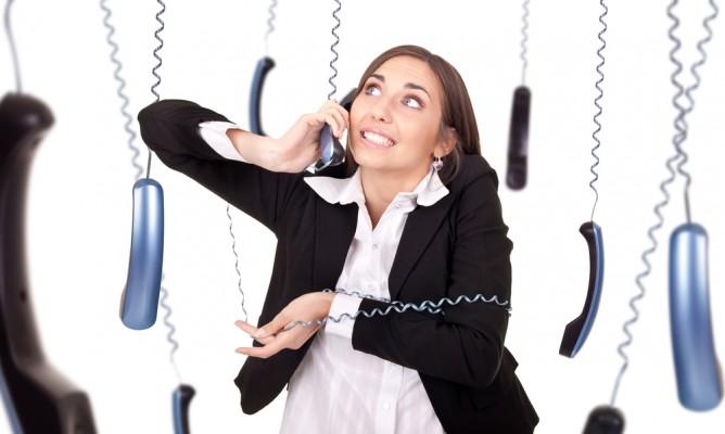 Πως απαντάνε τα ζώδια όταν σηκώνουν το τηλέφωνο;