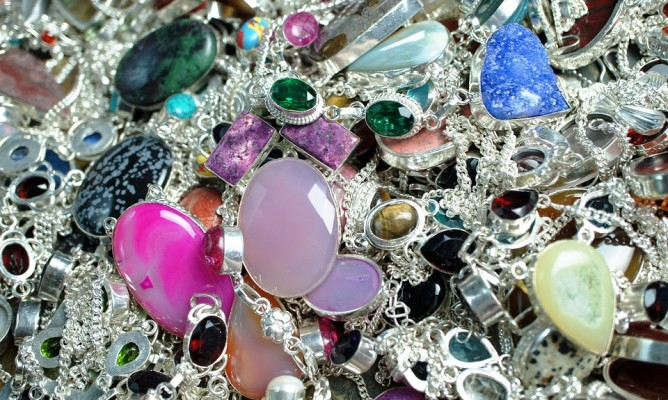 Ενεργειακές πέτρες και αρώματα των ζωδίων- Τι ταιριάζει στο καθένα