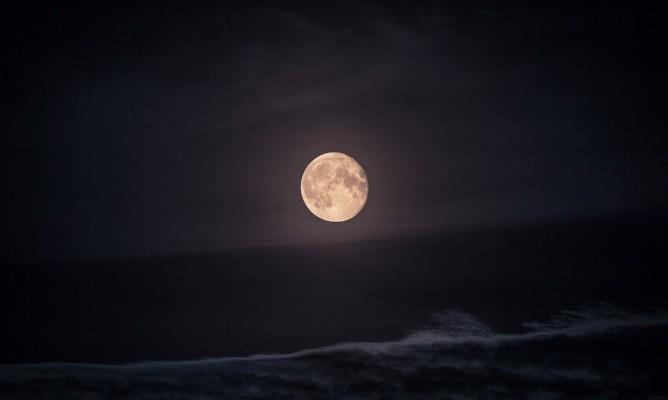 Παύσεις Σελήνης Μαρτίου: Τι να προσέξετε