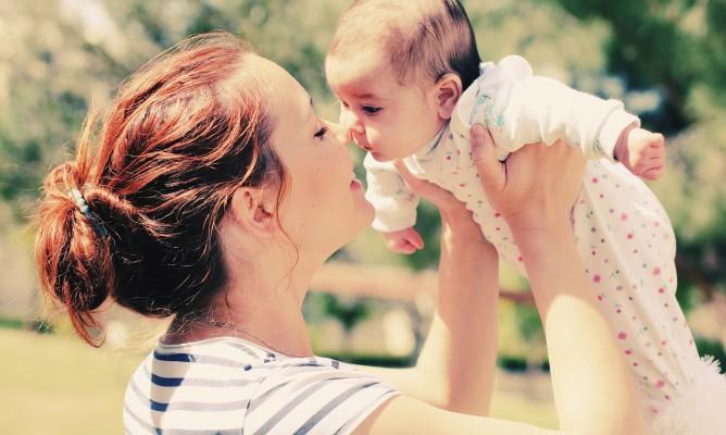 Γεννάτε τον Μάρτιο; Πώς θα μεγαλώσει το μωρό σας