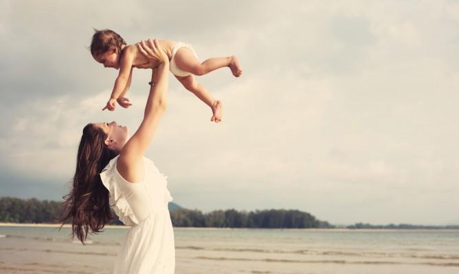 Γεννάτε τον Απρίλιο; Τι προβλέπουν τα άστρα για το μωρό σας