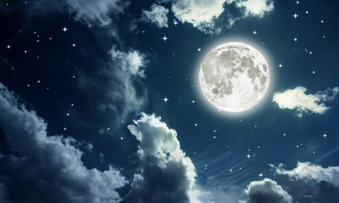 Παύσεις Σελήνης Αυγούστου: Τι να προσέξετε