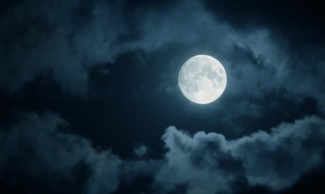 Παύσεις Σελήνης Φεβρουαρίου: Εκλείψεις και Αναστάτωση